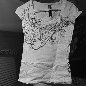 "Tee shirt. V neck ""metal mulisha"""